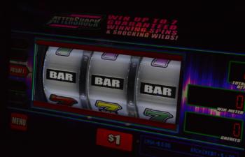 YouTube channel SlotsFighter won a 10,000 jackpot live.