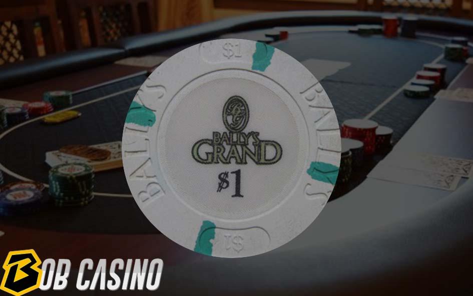 1 dollar chip in poker game